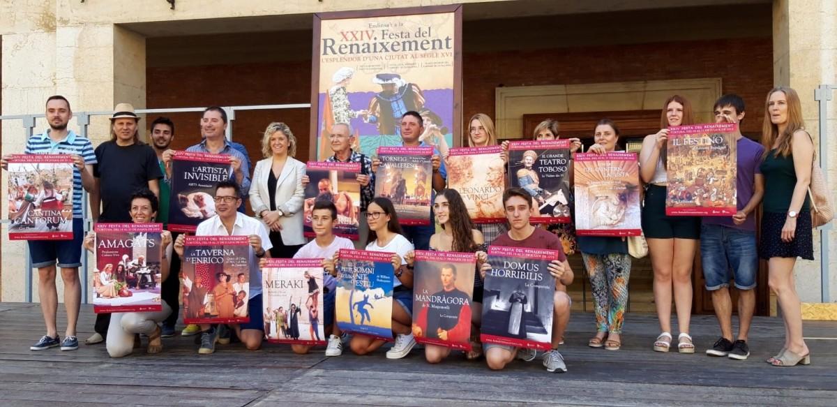 Alguns dels representants dels espectacles que es podran veure durant la festa del Renaixement amb el cartell d'este 2019