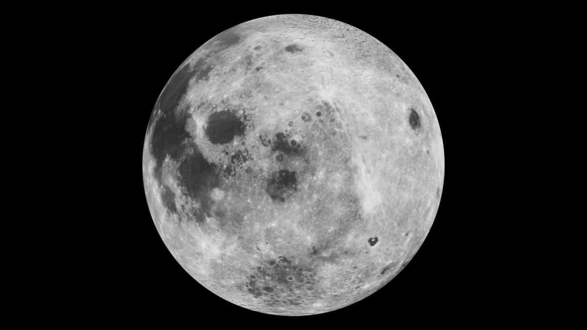 Commemorem l'arribada de l'home a la Lluna recordant la pràctica esportiva al satèl·lit terrestre