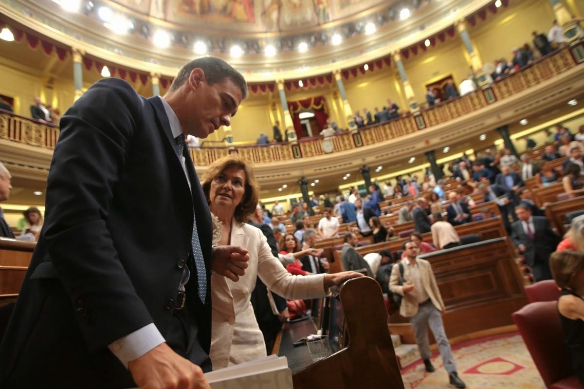 Pedro Sánchez i Carmen Calvo, aquest dimarts al Congrés