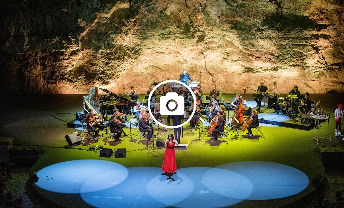 Pop d'una nit d'estiu al Teatre Grec de Barcelona