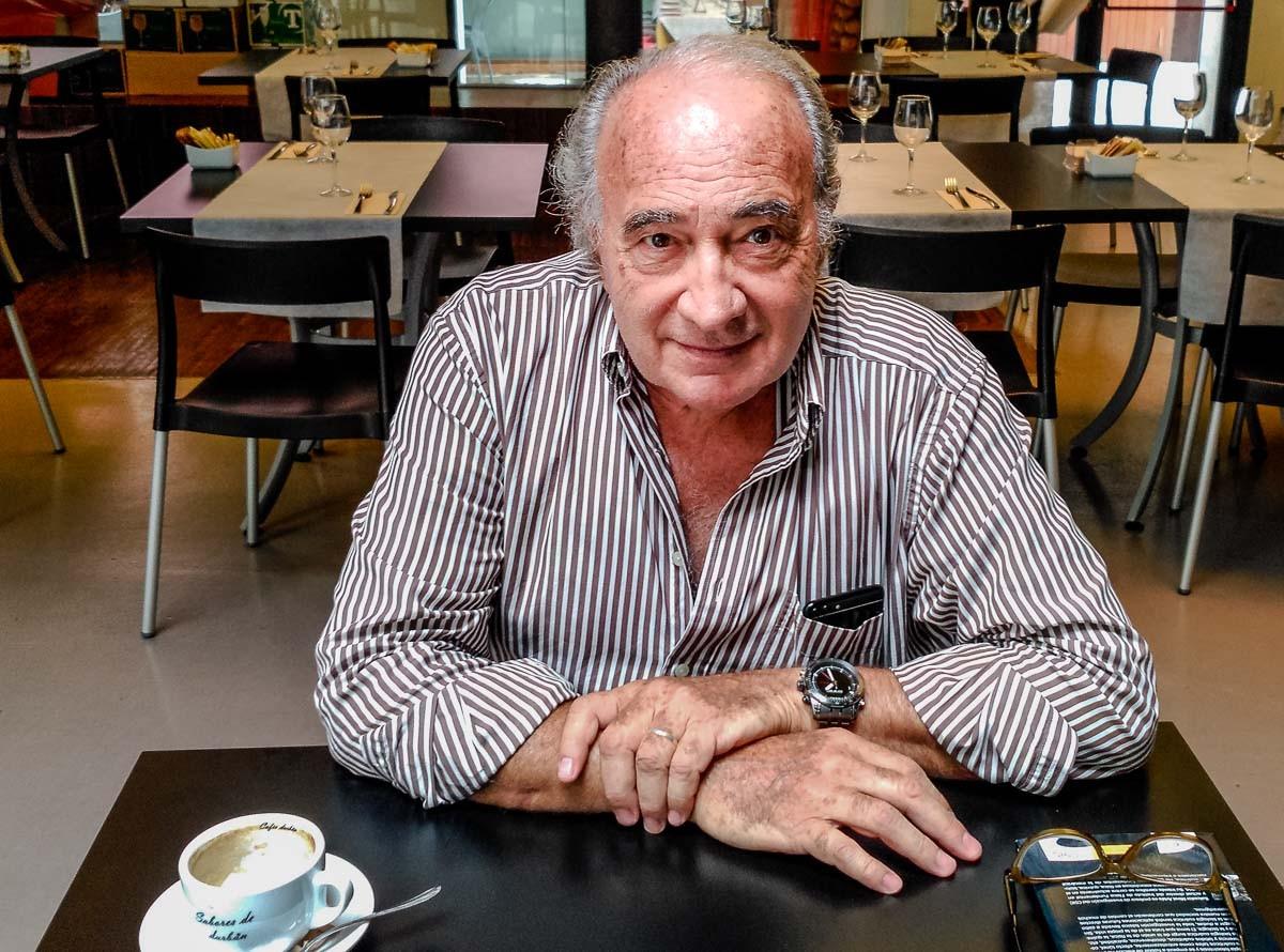 Josep Lluís Albinyana , fotografiat al Centre Cultural Octubre de València.
