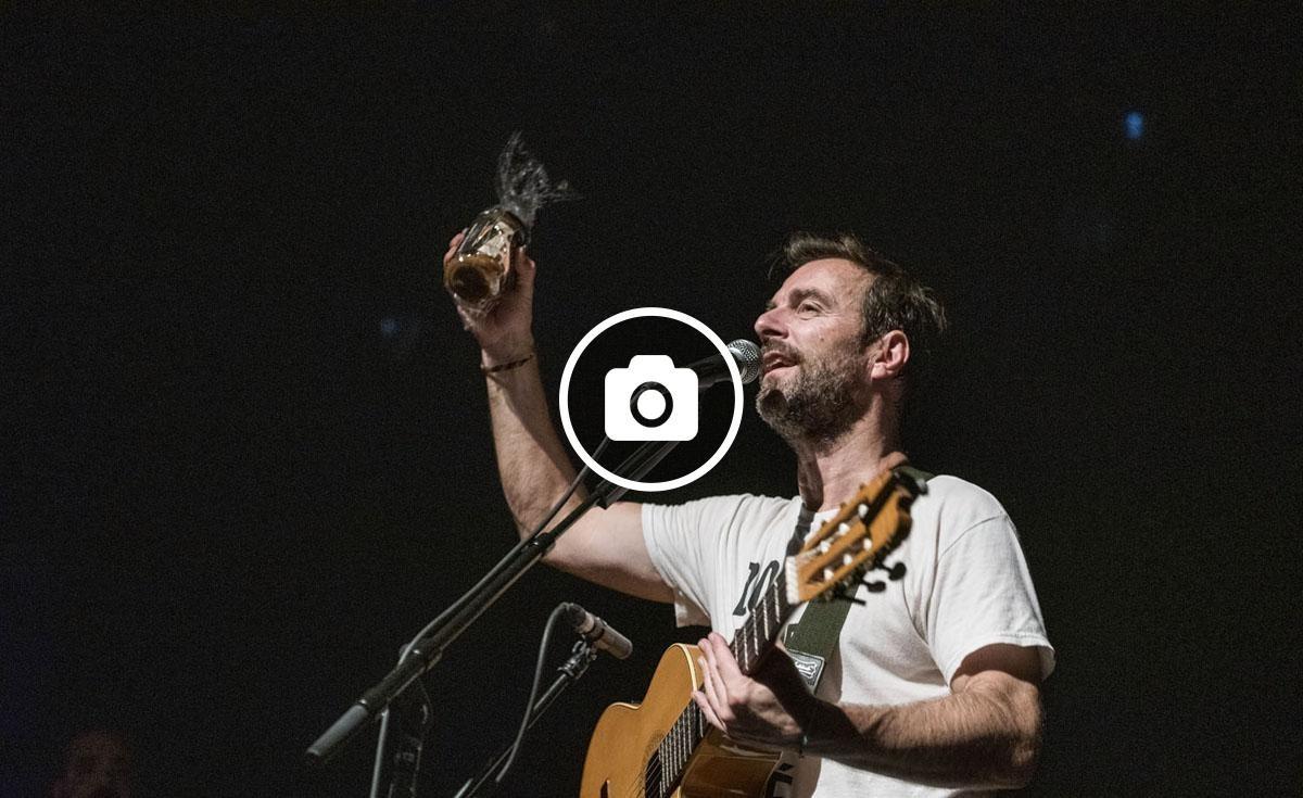 El músic estatunidenc durant el concert a Barcelona