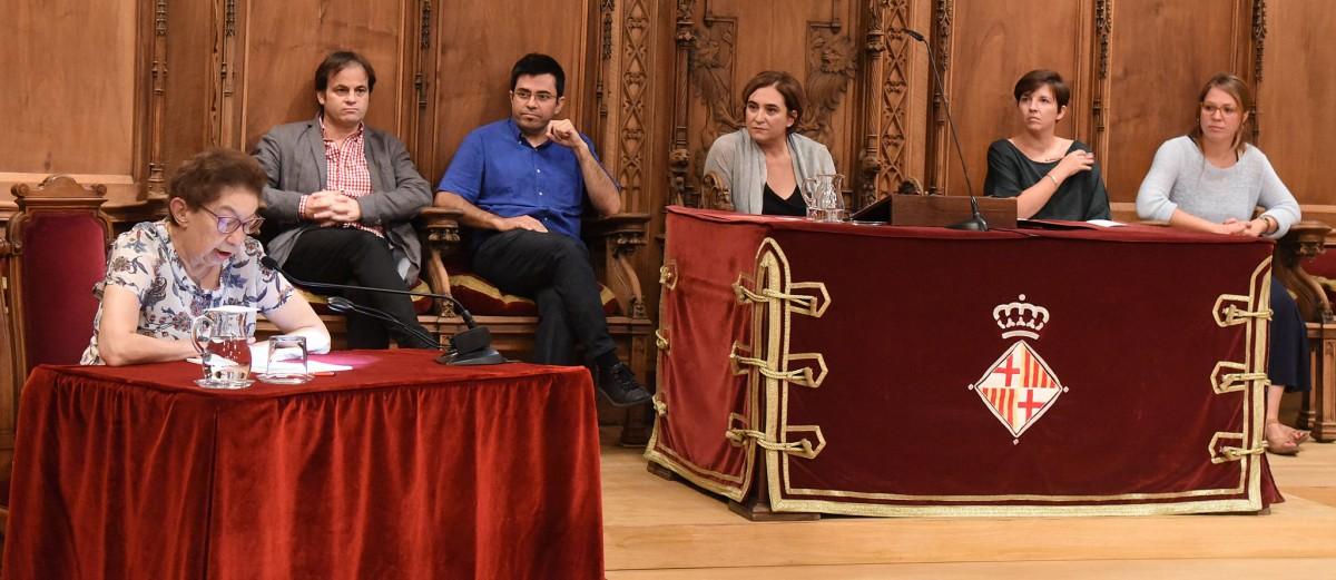 Eva Serra, durant la conferència institucional al Saló de Cent amb motiu de l'Onze de Setembre de 2015.