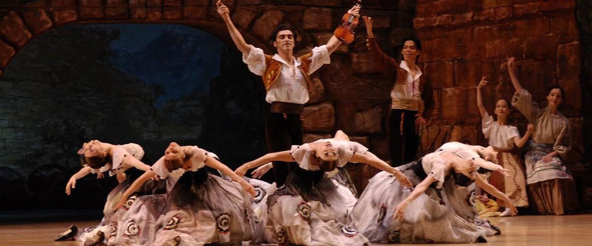 El Ballet de Georgia interpreta el clàssic espanyol «Fuenteovejuna»