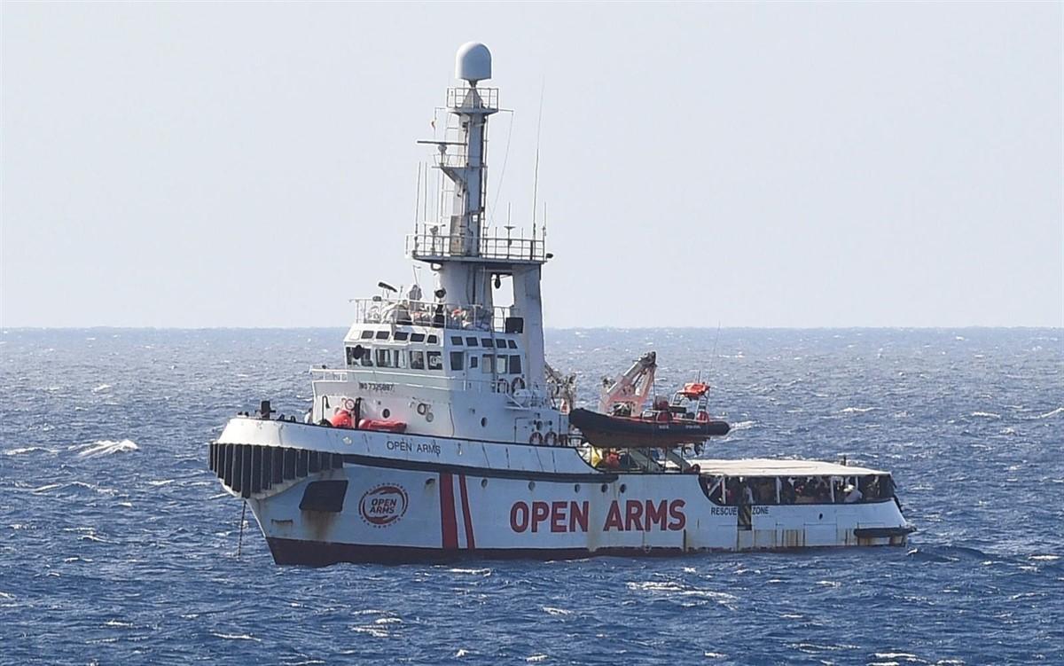 L'Open Arms a les costes de Lampedusa
