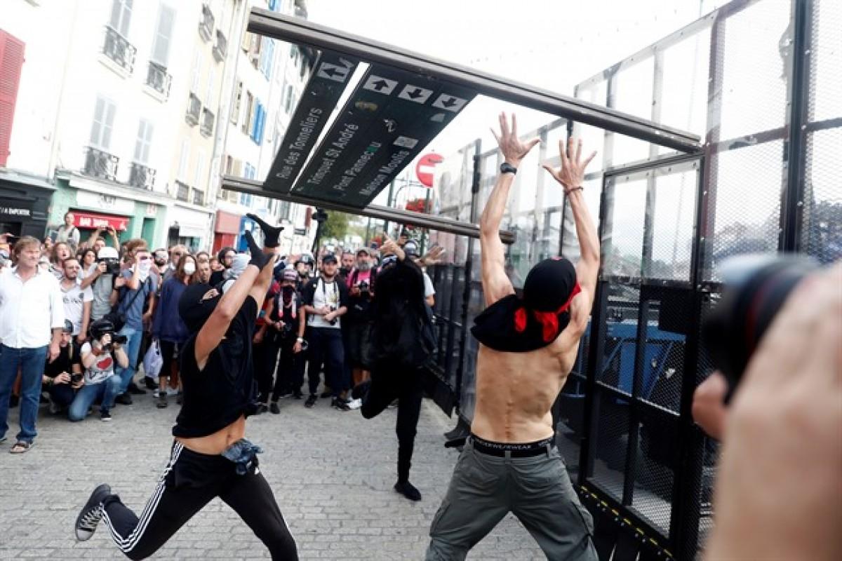 Manifestació no autoritzada contra la cimera del G-7, a Baiona
