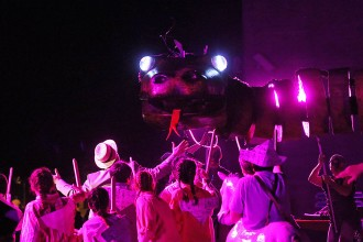 La Festa del Serpent esdevé un espectacle estàtic de la Fura dels Baus