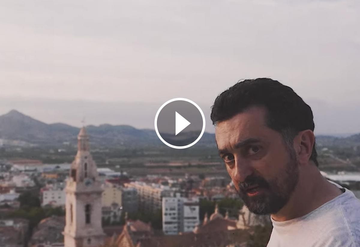 Fotograma del videoclip de Feliu Ventura