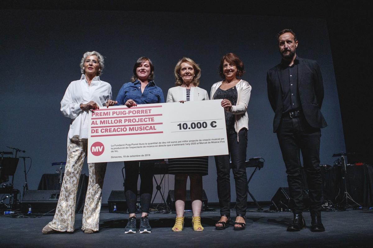 Núria Andorrà rebent el Premi Puig-Porret 2019