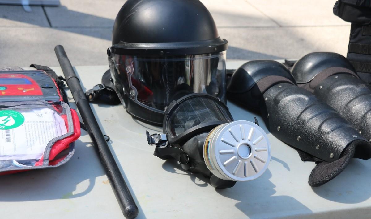 Pla general de part de l'equipament de la Brigada Mòbil dels Mossos d'Esquadra.