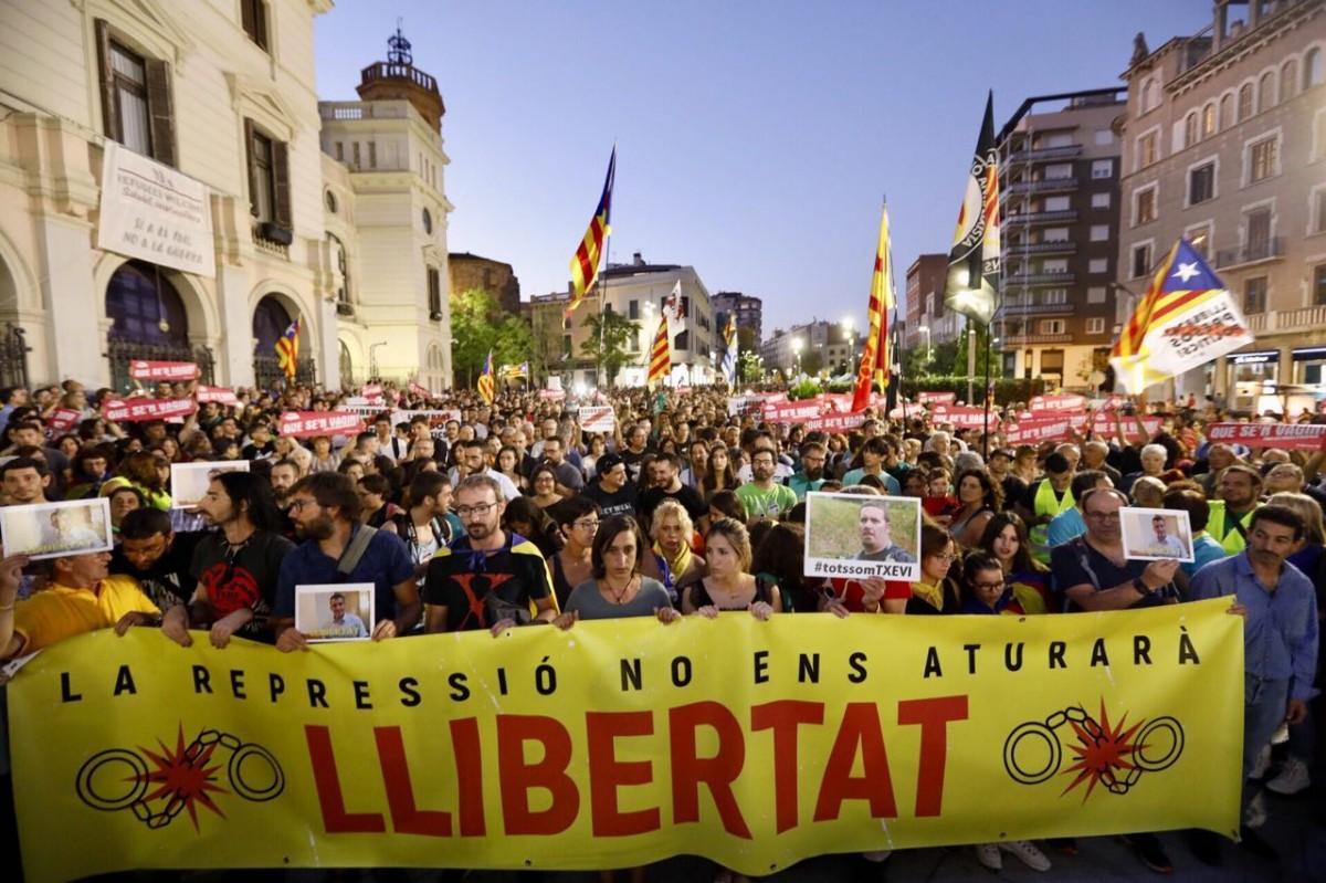 La multitudinària manifestació contra l'empresonament dels CDR