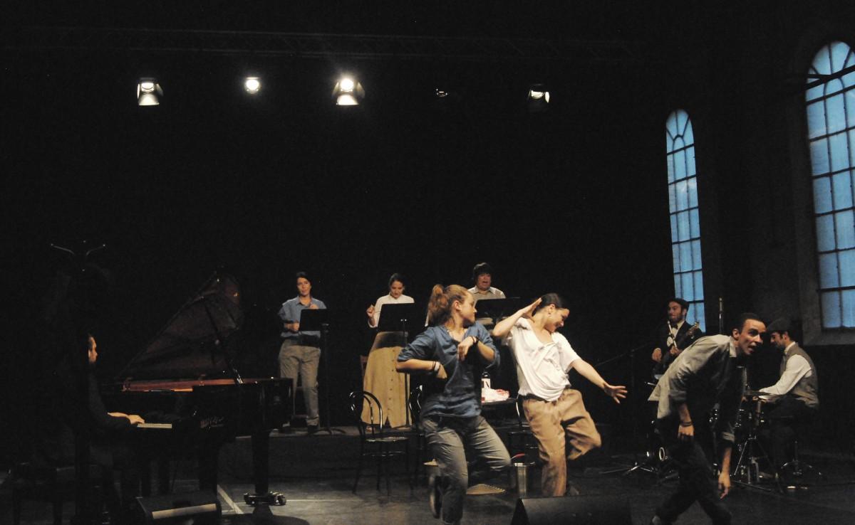 Una de les escenes de l'espectacle 'L'home és feble', a l'Anònima de Manresa