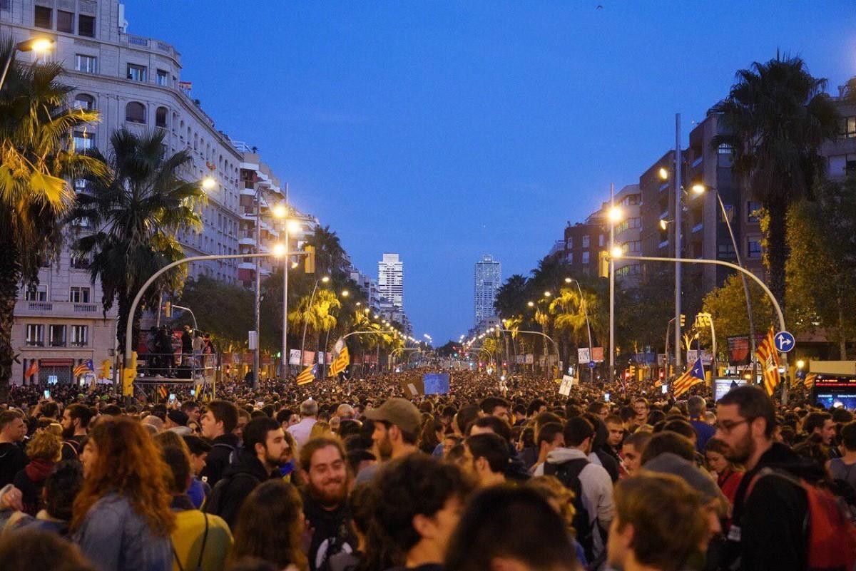 Manifestació al carrer Marina de Barcelona.