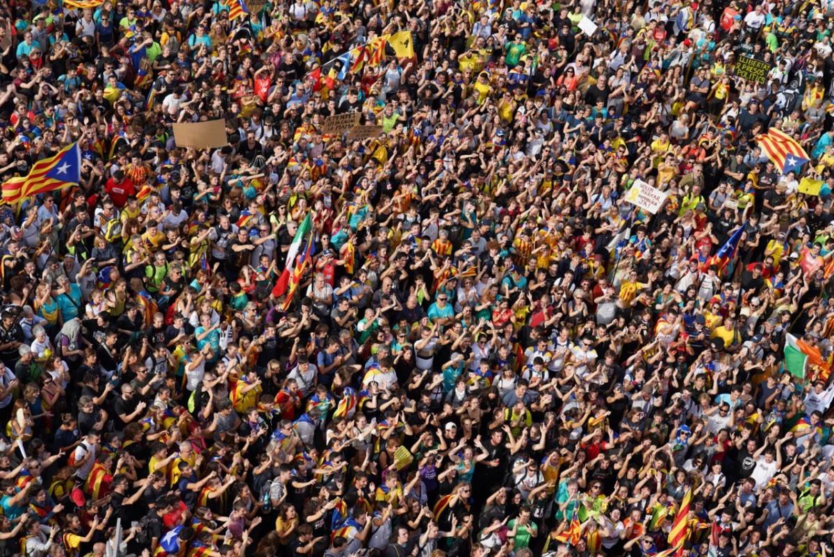 Milers de persones s'han concentrat a Barcelona per la manifestació