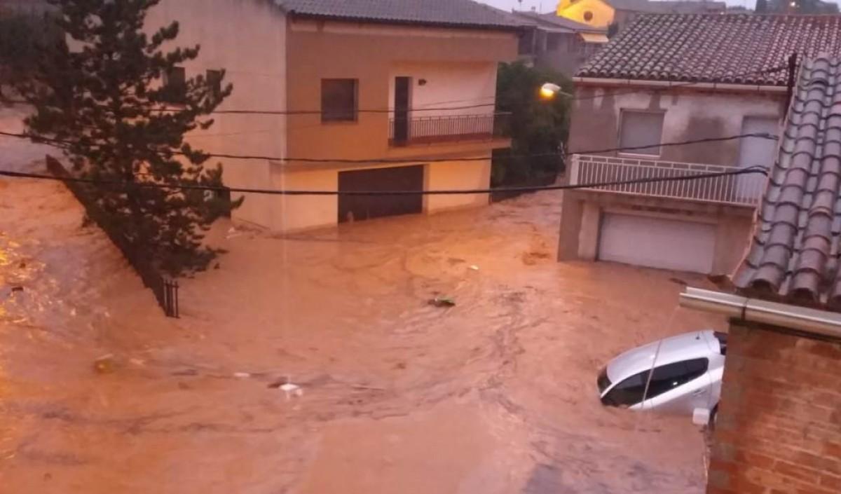 L'aigua annegant el municipi de l'Albi