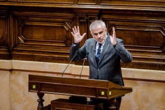 Cs exigeix a Torrent que defensi davant Torra el secretari general del Parlament
