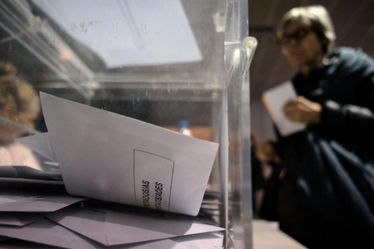 Col·legi electoral Pompeu Fabra a Manlleu (Osona), en un dia de comicis