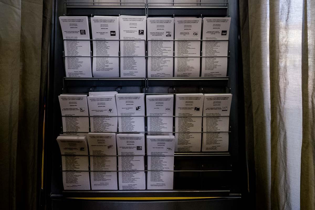 Butlletes en un col·legi electoral.