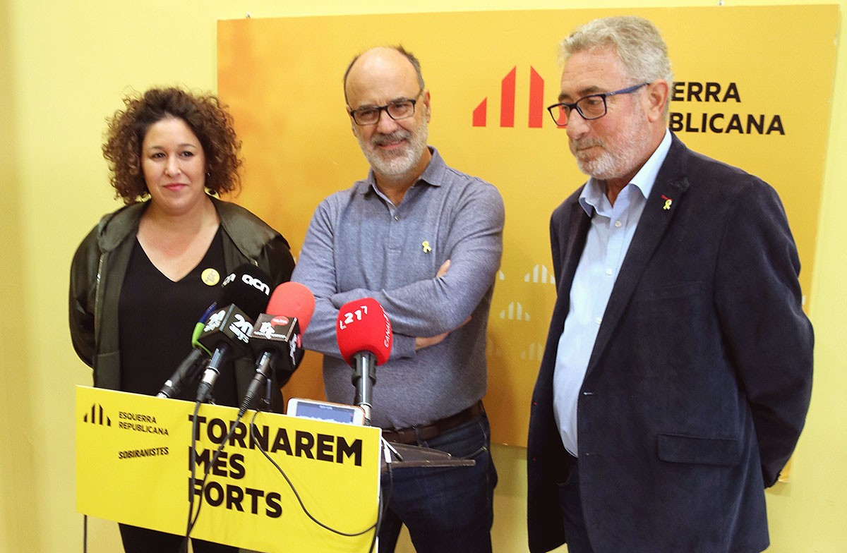 La diputada Norma Pujol, el president d'ERC a l'Ebre, Alfins Montserrat, i el senador Miquel Aubà.