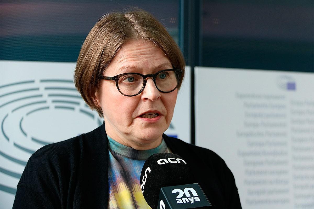 La vicepresidenta de l'Eurocambra Heidi Hautala, entrevistada per l'ACN