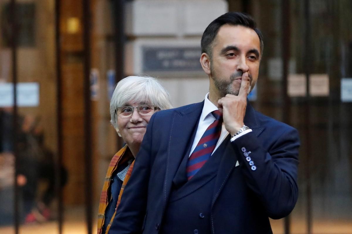 Clara Ponsatí i Aamer Anwar, a la sortida del jutjat d'Edimburg