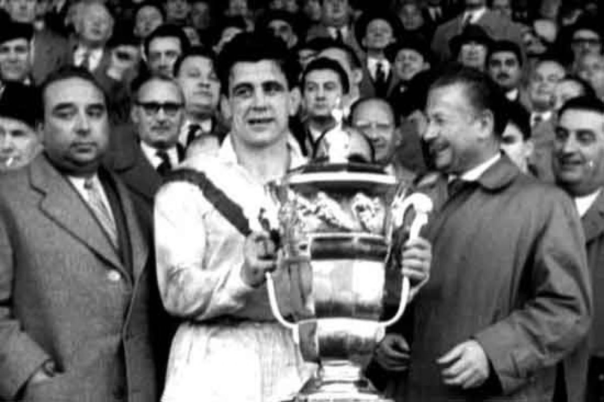 4 equips es van enfrontar a l'edició de 1954 que va acabar amb victòria britànica
