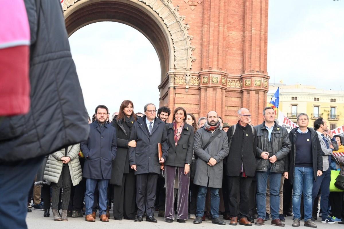 Torra, acompanyat de la plana major de l'independentisme abans de ser jutjat