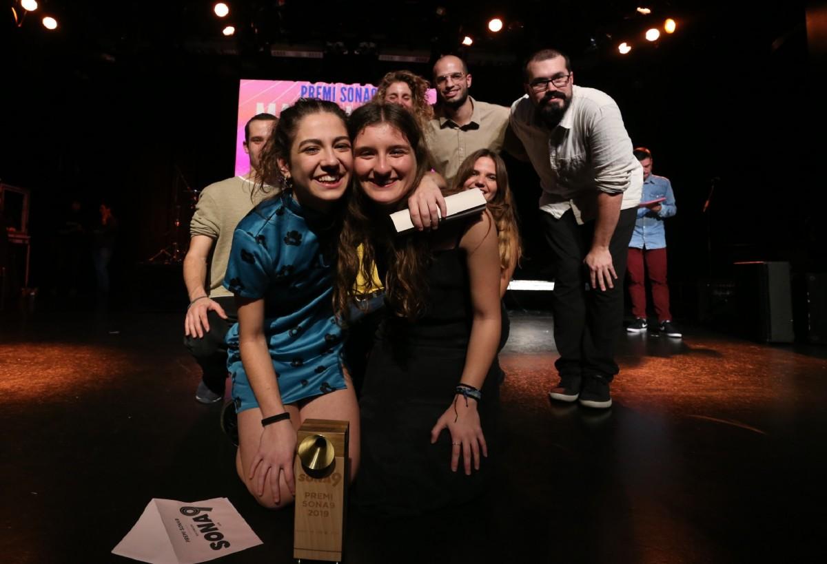 Maria Jaume Martorell recollint el Premi Sona9 2019