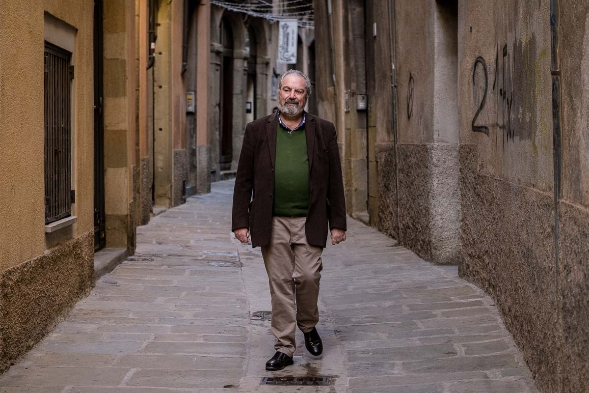 Joan Brugués, al carrer de Sant Sadurní