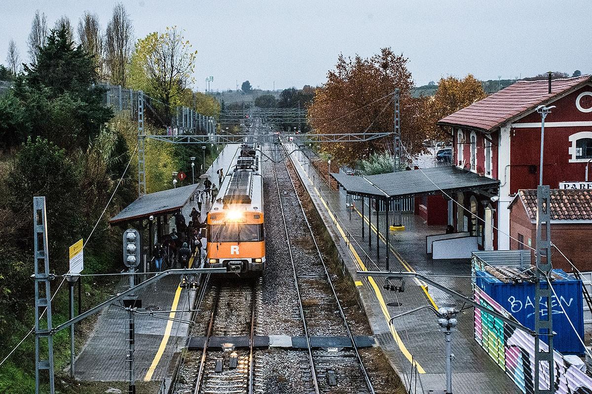 Un tren de la R3, a Parets del Vallès.