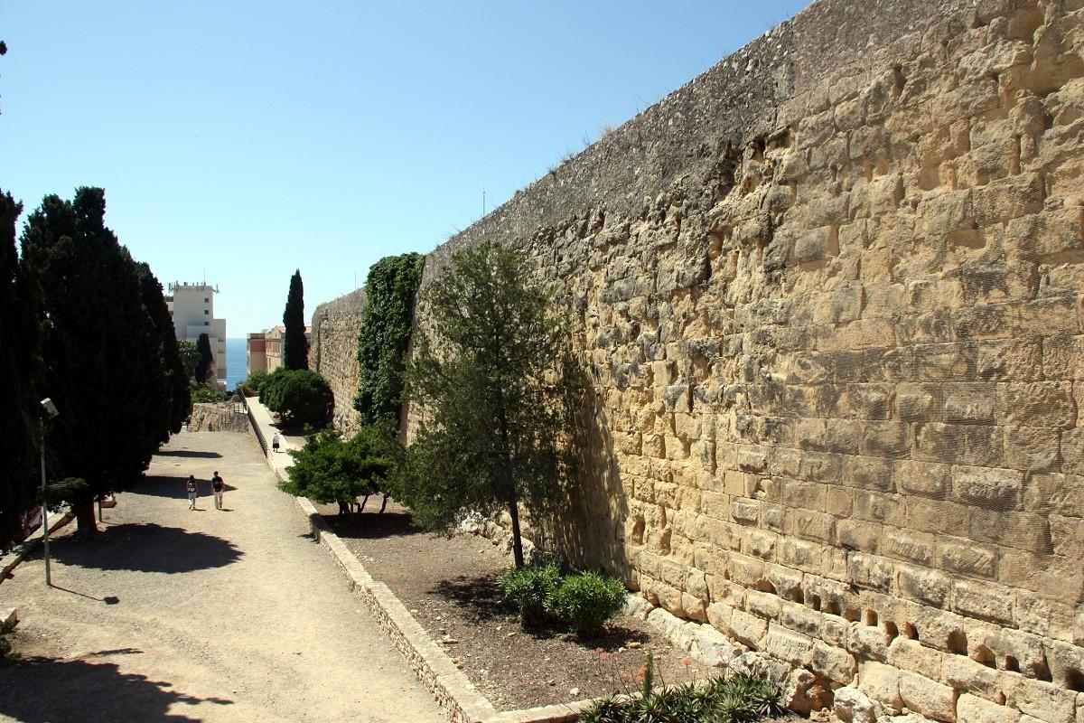 Fragment de la Muralla de Tarragona a les proximitats del passeig de Sant Antoni