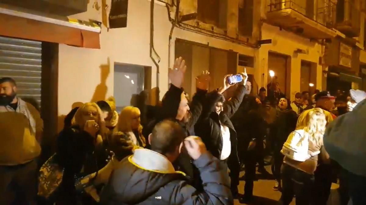 VÍDEO Ultres de Vox han increpat les manifestants