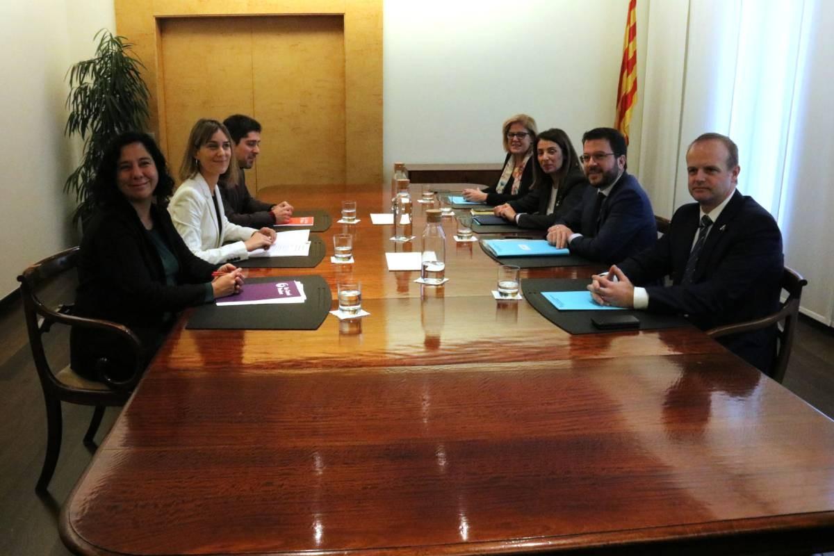 Reunió entre el Govern i els comuns, aquest dilluns, amb Pere Aragonès, Meritxell Budó o Jéssica Albiach.