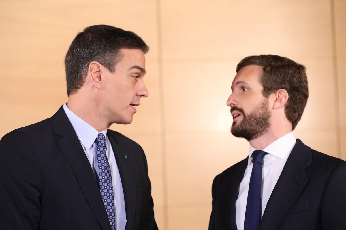 Pedro Sánchez i Pablo Casado, reunits aquest dilluns