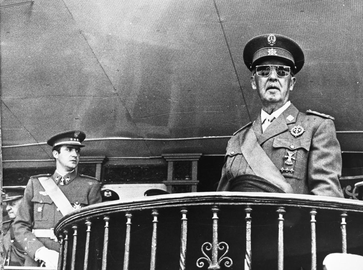 Franco, amb l'aleshores príncep Joan Carles, a les acaballes de la dictadura.