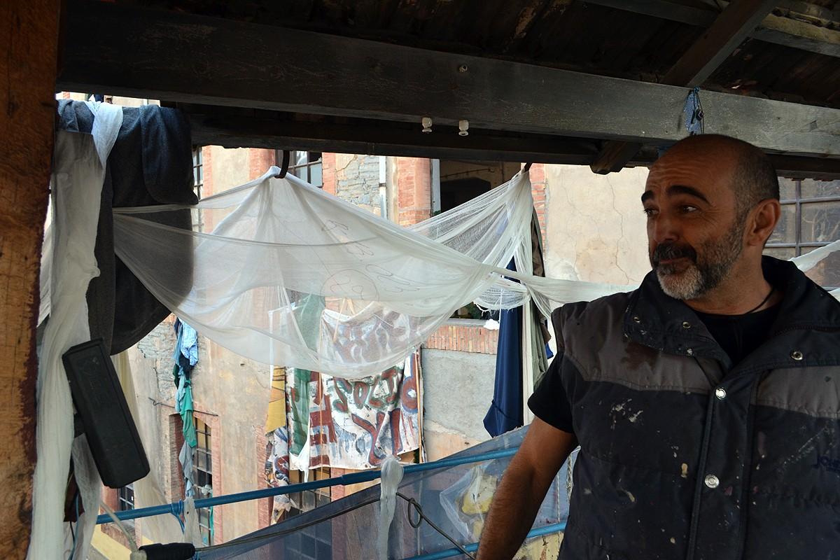Juan Carlos Fernández, a la passera superior de la fàbrica