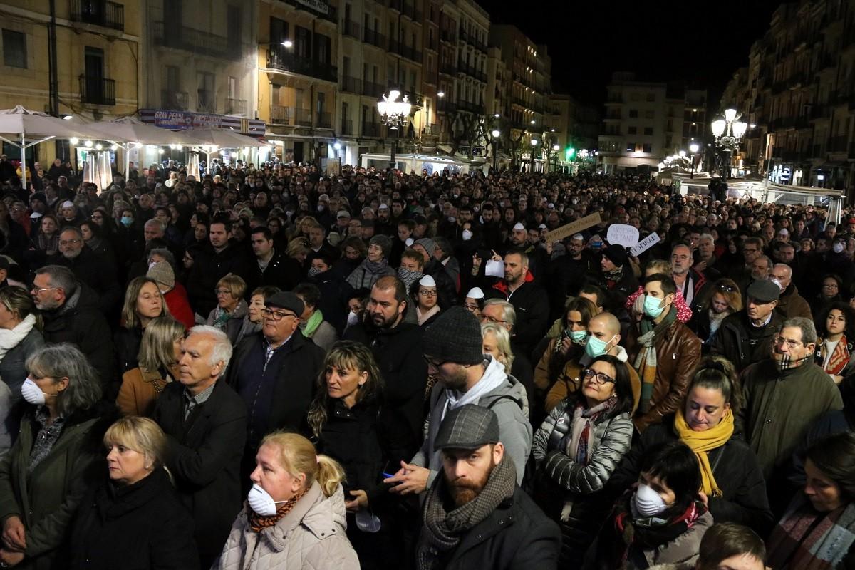 Milers de persones protestaven aquest dimecres per la manca de controls i seguretat de les empreses petroquímiques de la zona.