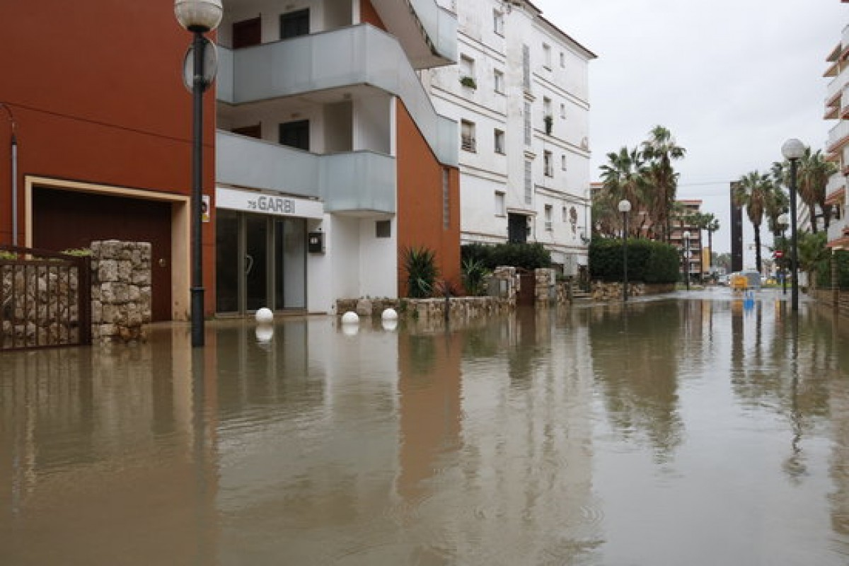 Inundacions pel temporal Glòria a Cambrils.