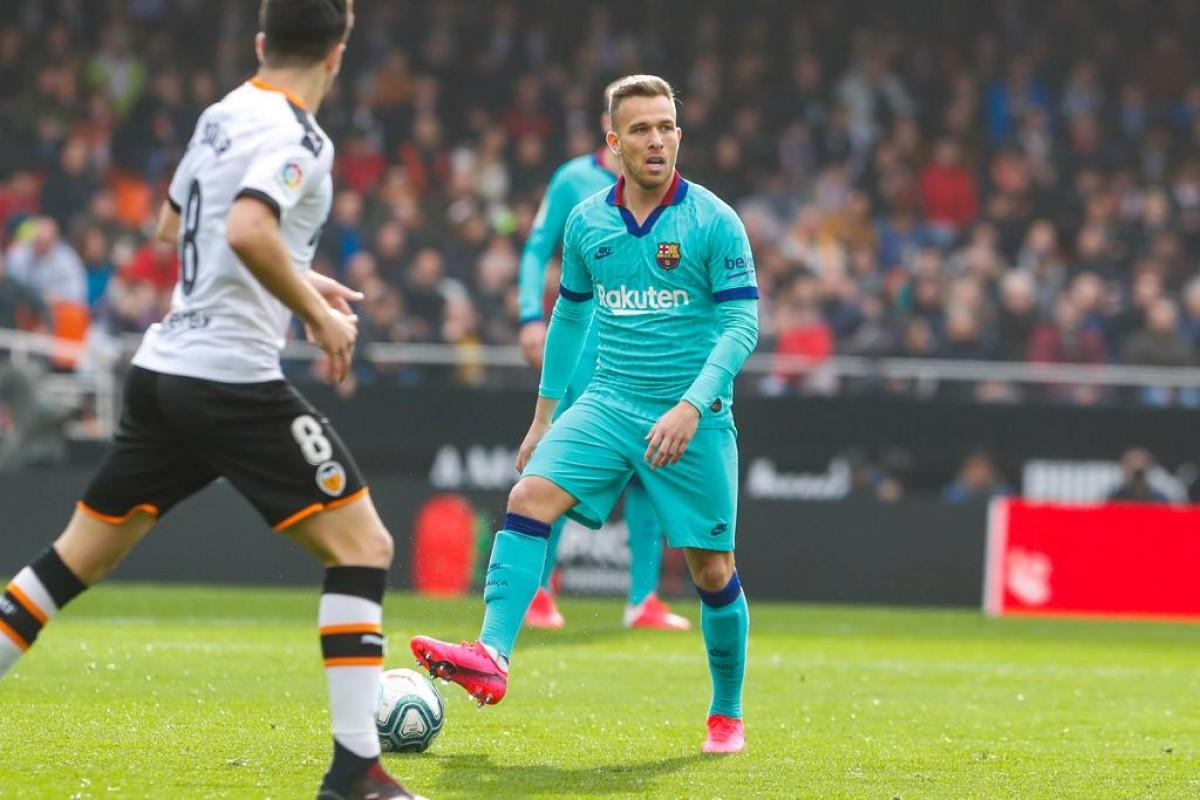 Arthur, que ha tornat a l'onze titular, aquest dissabte a Mestalla
