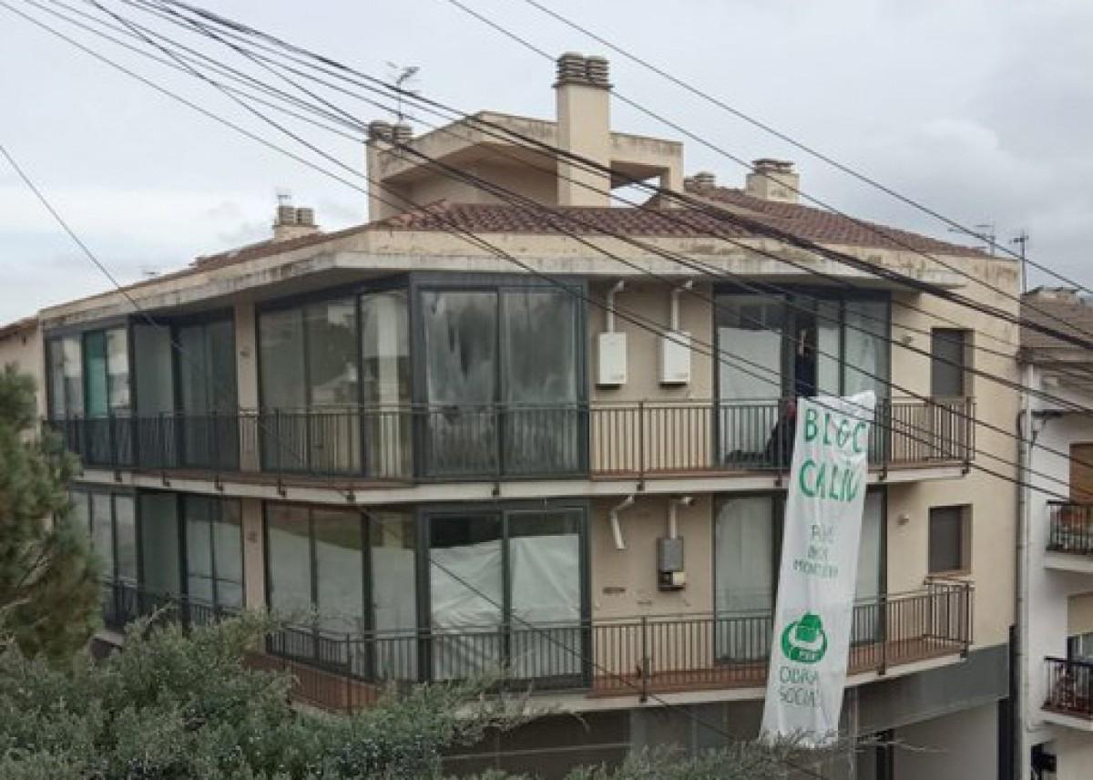 El Bloc Caliu ocupat socialment per la PAHC Baix Montseny