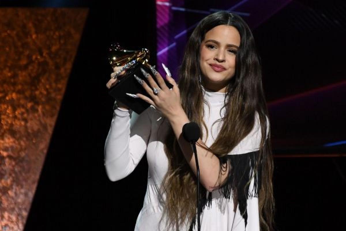 Rosalia als premis Grammy 2020
