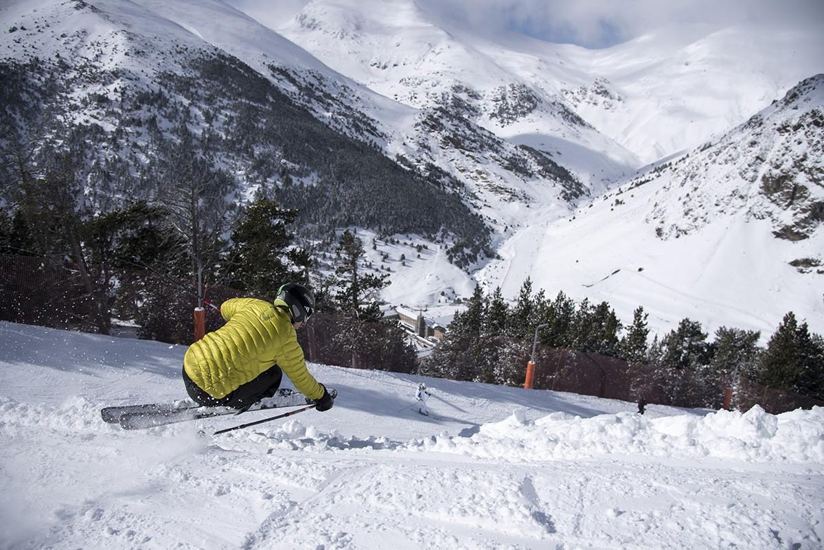 Un esquiador a  Vall de Núria