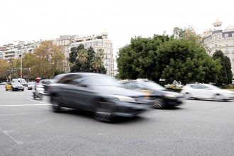 Els talls a grans carrers de Barcelona expulsaran 100.000 cotxes els caps de setmana