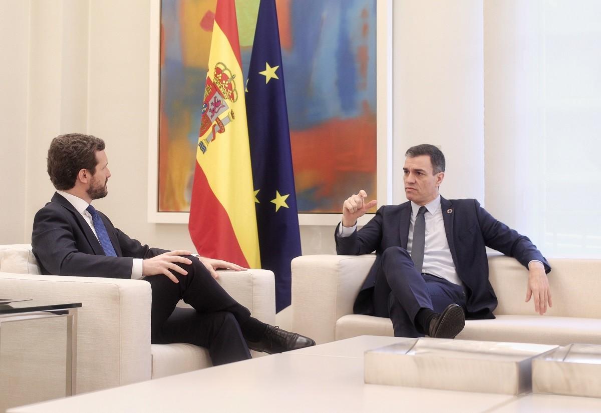 Pedro Sánchez i Pablo Casado, aquest dilluns a la Moncloa