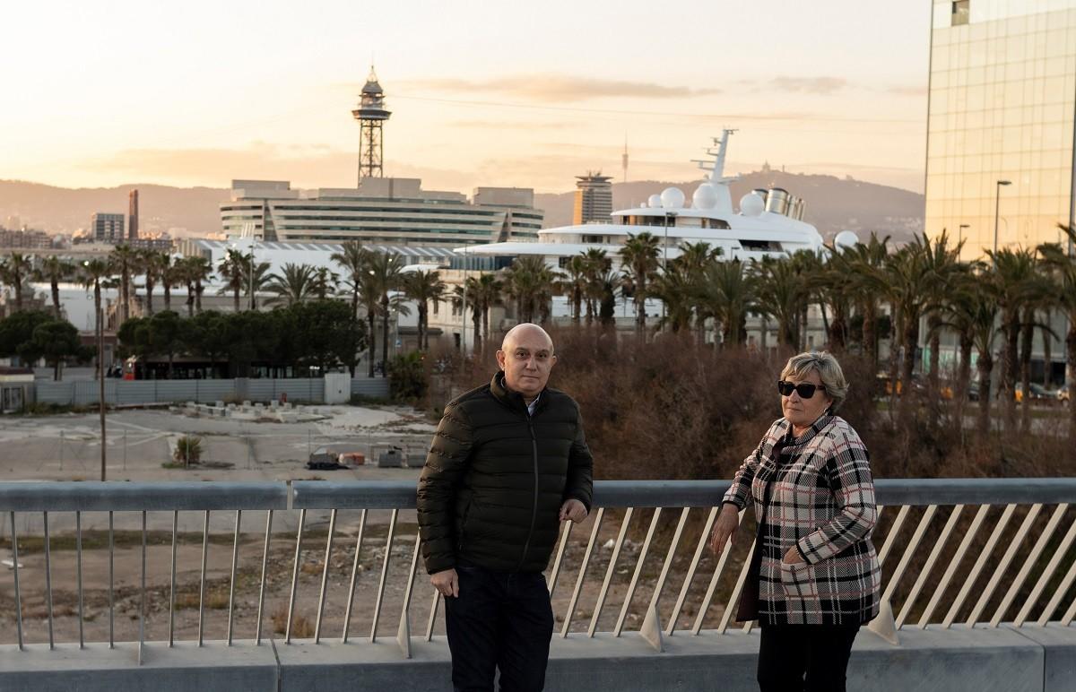 Manel Martínez i Manoli Madrid davant del solar on s'hauria d'instal·lar el museu