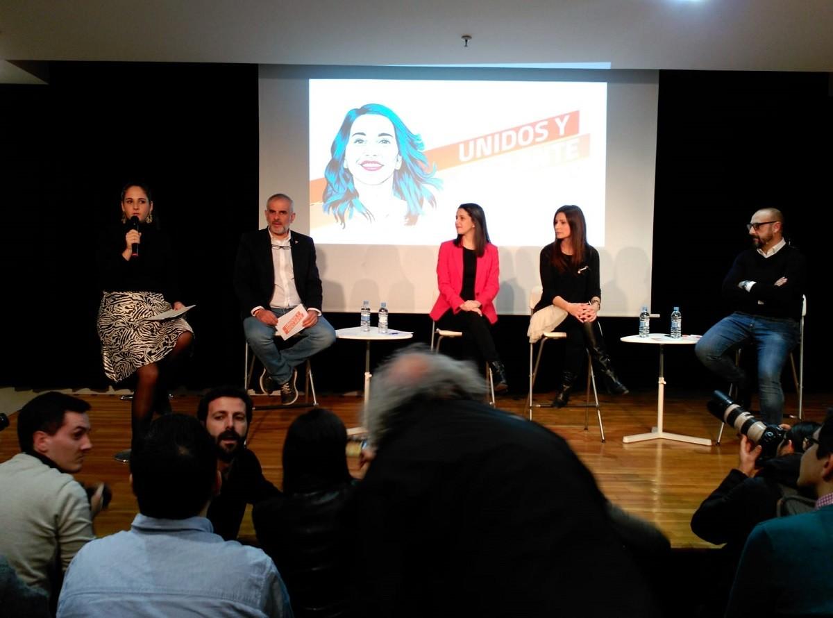 Inés Arrimadas aquest divendres, acompanyada de Carlos Carrizosa, Lorena Roldán i Jordi Cañas.