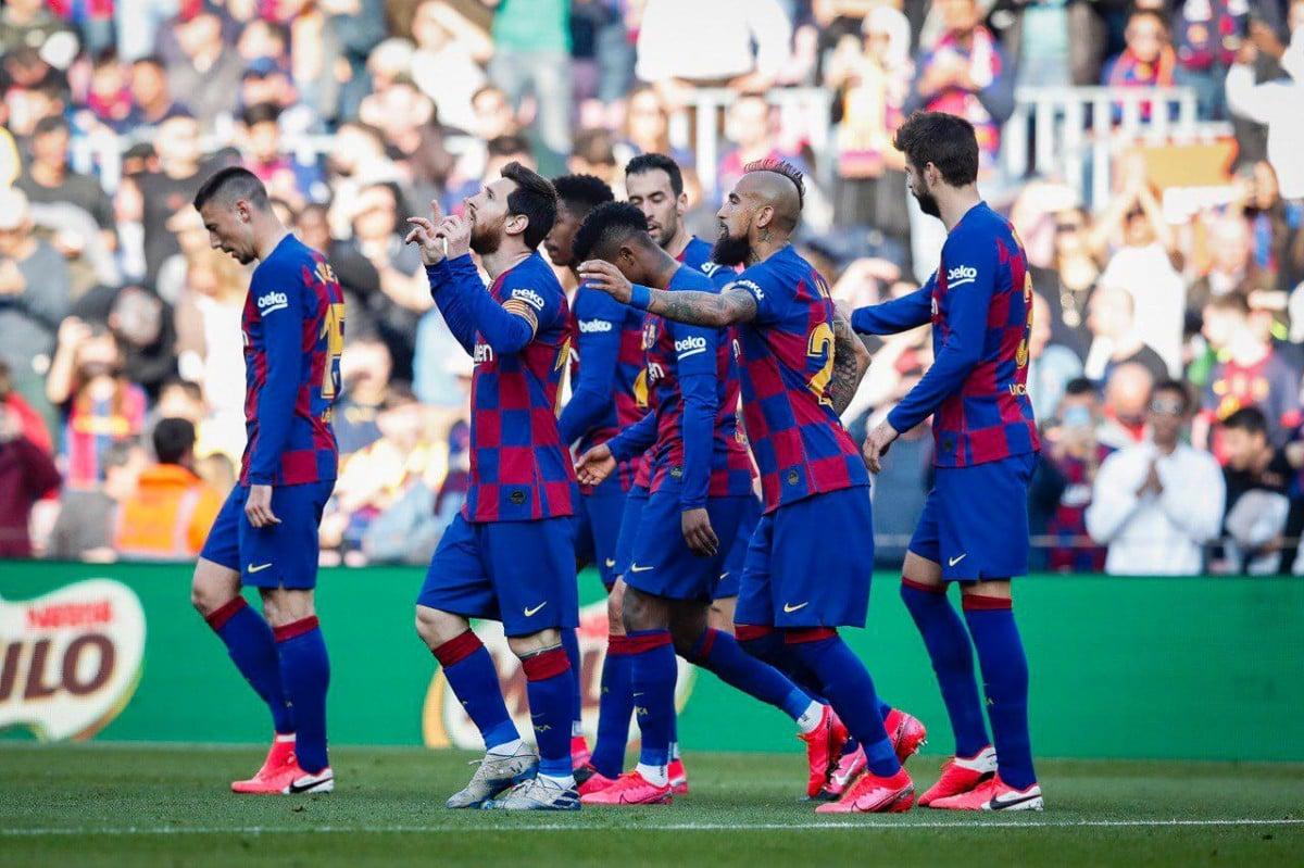 Els jugadors del Barça durant el partit contra l'Eibar aquest dissabte