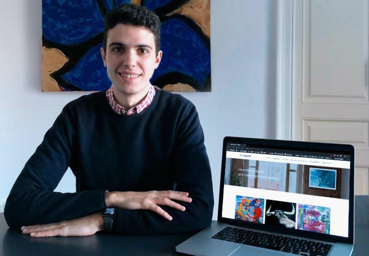 El jove emprenedor amb el seu projecte