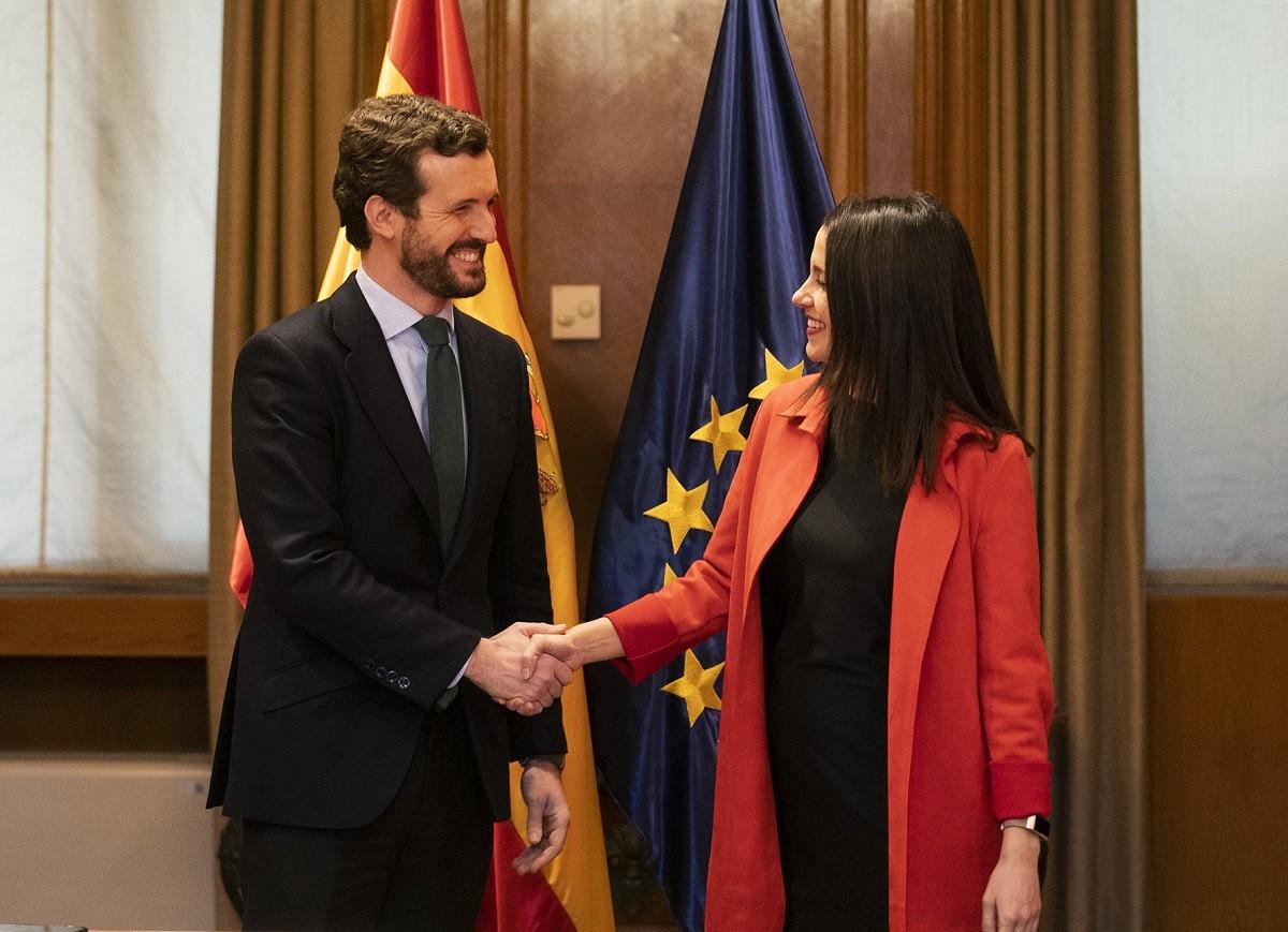 Pablo Casado i Inés Arrimadas, reunits al Congrés dels Diputats