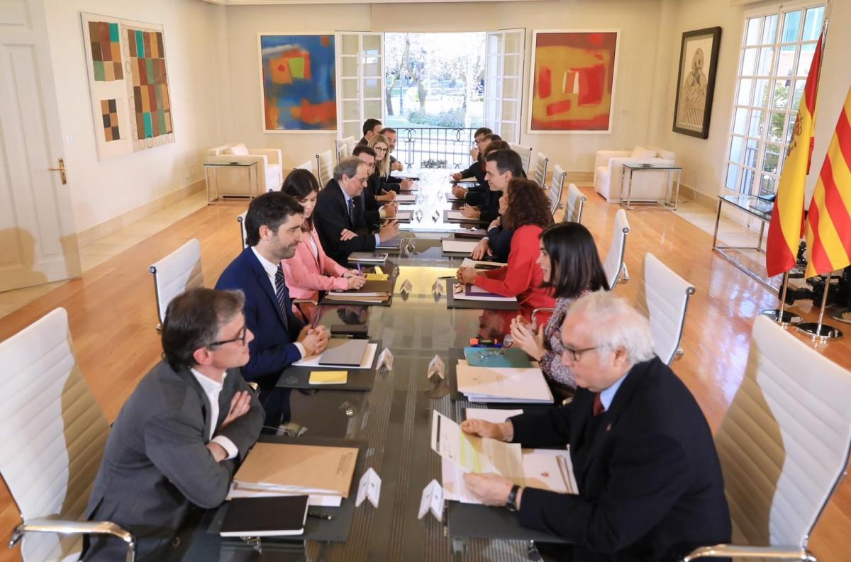 Primera reunió de la taula de diàleg.